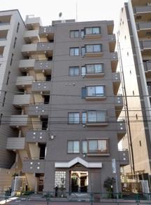 【外観】目白通りに隣接しながらも、住宅地側のため静かな住戸です♪