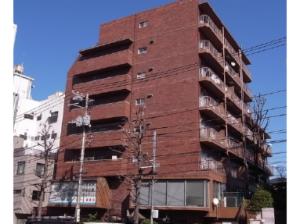 【外観】外壁タイル貼りで重厚感のあるマンション♪