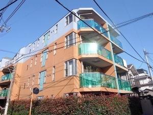 【外観】 平成18年築のデザイナーズマンション!外観・室内とも鮮やかで優しい色合いです♪