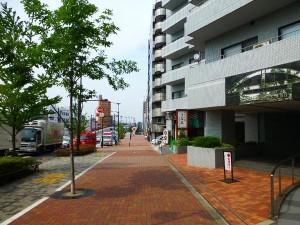 【前面道路】東京メトロ東西線「落合」駅も徒歩4分♪