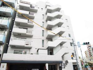 【外観】恵比寿駅徒歩8分♪オートロックのマンションです☆