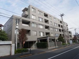 【外観】野村不動産旧分譲、間組施工によるマンション♪早稲田通り沿いに立地しています!
