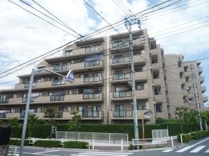 【外観】 平成21年12月大規模修繕工事完了!外壁タイル貼りのマンションです☆