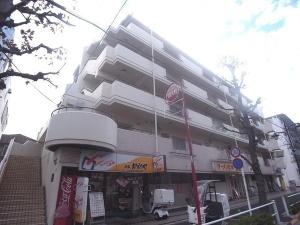 【外観】5階建て4階角住戸!約50.00平米のルーフバルコニー付!便利な水道水栓付♪