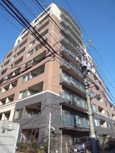 【外観】 平成18年5月建築のマンションです!