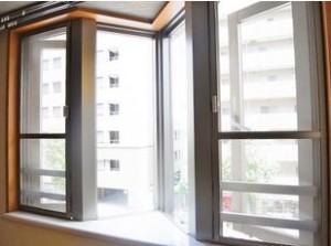 【窓】室内も所々オシャレに演出されております♪
